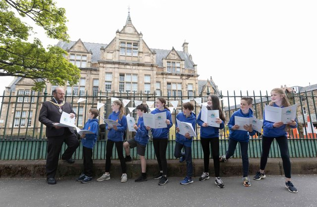 Sciennes pupils call on motorists to ditch cars for clean air day PICS: Mark Gibson