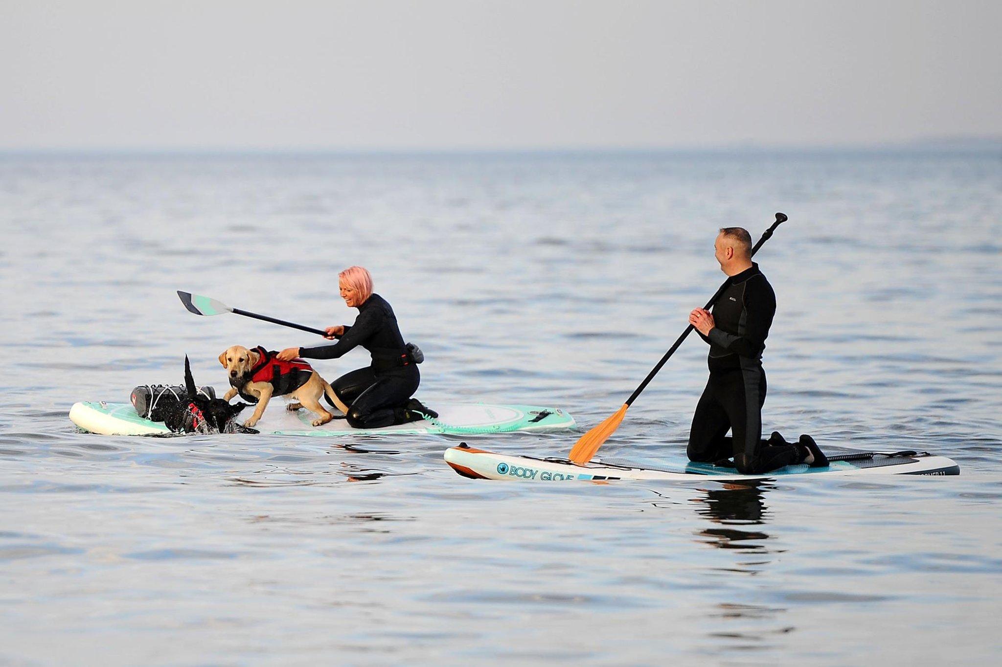Tonton: Paddleboarders diselamatkan di dekat Pantai Portobello di tengah 'kondisi cuaca yang berubah'