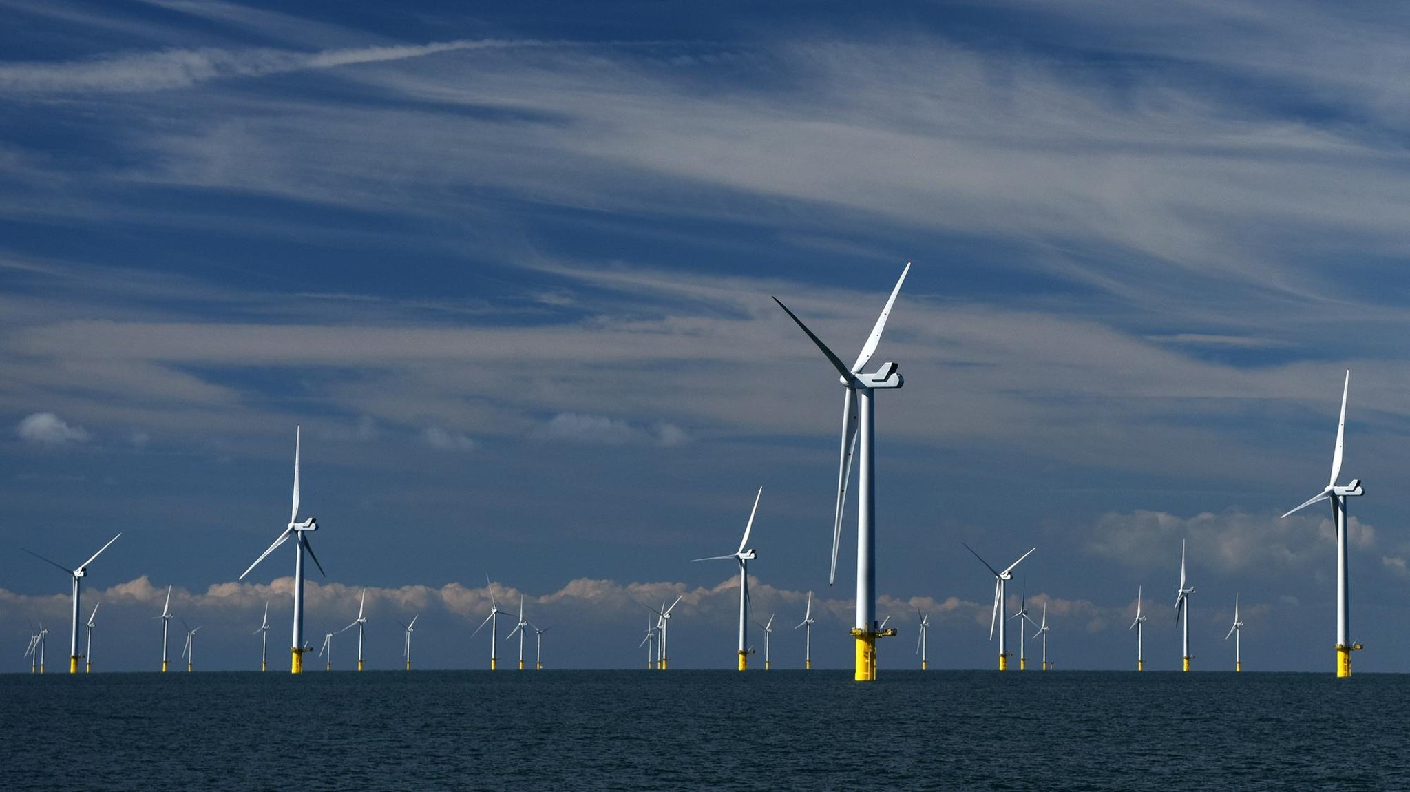 Kita perlu meningkatkan skala ambisi kita pada energi hijau – Christoph Harwood, Adrian de Andres dan Nichola Lacey