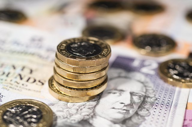 A second report has said that an independent Scotland would have a substantial fiscal deficit.