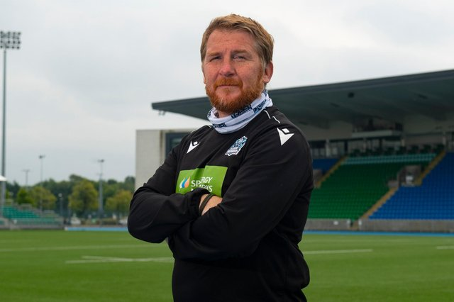Assistant coach Jonny Bell is leaving Glasgow Warriors to join Worcester Warriors.