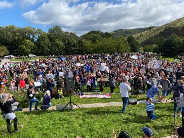 Hundreds turn out for anti-mask demonstration outside Edinburgh parliament building