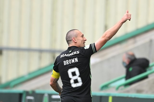 Scott Brown points the way ahead at full-time f his last ever Celtic game following a glittering 14-year career. (Photo by Paul Devlin / SNS Group)