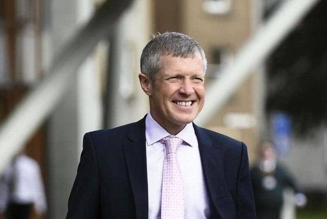 """Nicola Sturgeon will have a """"whole host of back-seat drivers"""" giving her different instructions about how to achieve Scottish independence if the SNP wins a majority, Willie Rennie has said."""