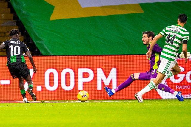 Tokmac Nguen scores to make it 2-1 to Ferencvaros. Picture: Ross Parker / SNS