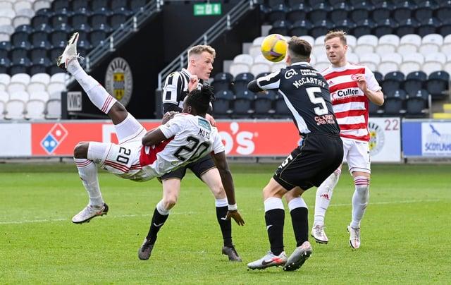 Hamilton's David Moyo attempts an overhead kick against St Mirren.