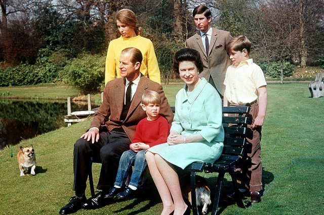 The Duke of Edinburgh and Queen Elizabeth II with their children (from left) Princess Anne, Prince Edward, Prince Charles and Prince Andrew in the garden of the Frogmore Estate, Berkshire, in 1968