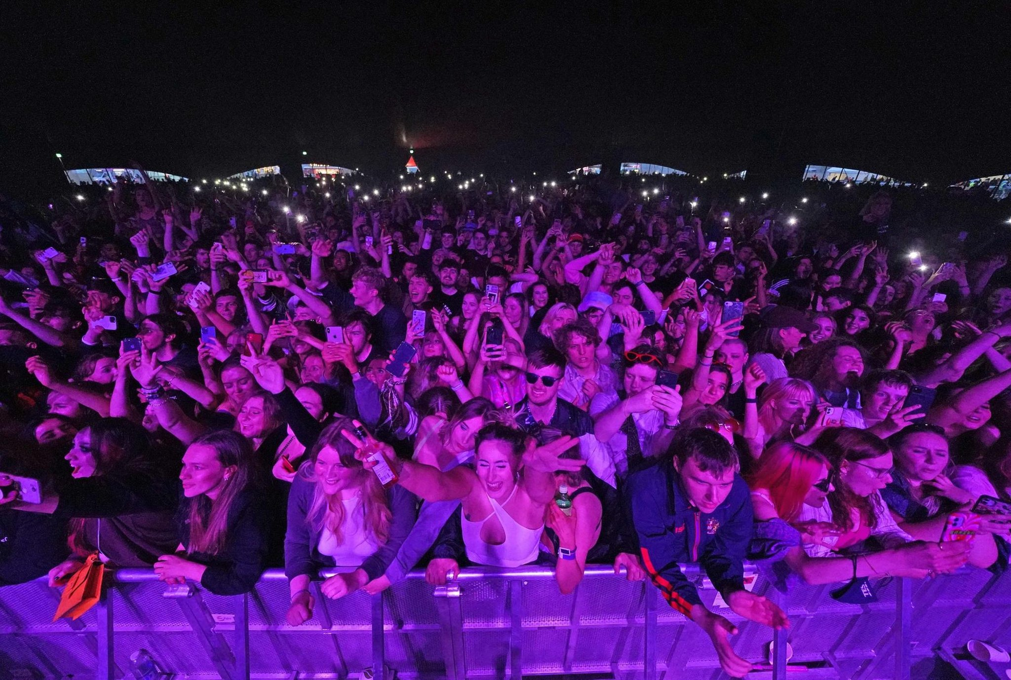 Nicola Sturgeon: Test events in England could pave way for summerfestival crowds to return in Scotland
