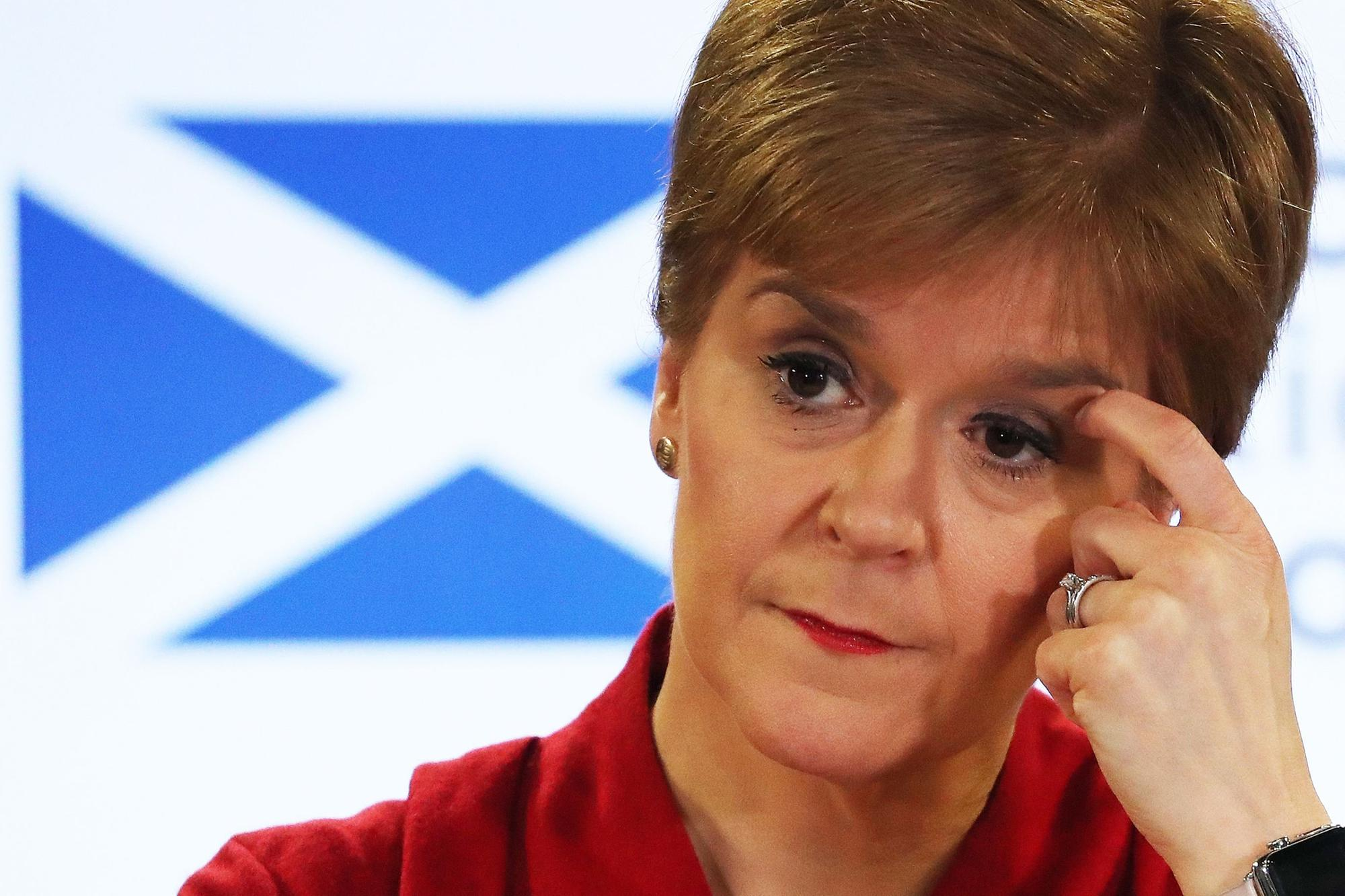 First Minister Nicola Sturgeon posts picture of lockdown haircut