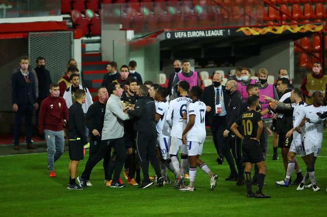 Angry clashes between players and staff of Standard Liege and Rangers at the end of the Ibrox side's 2-0 Europa League Group D win in Belgium. (Photo by Dean Mouhtaropoulos/Getty Images)