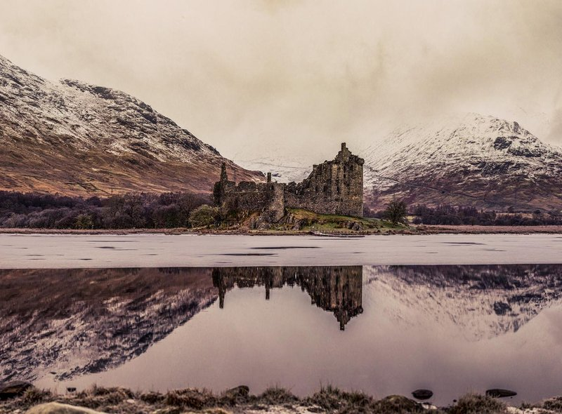 Neah McGregor took this amazing picture of an icy Loch Awe and Kilchurn Castle.