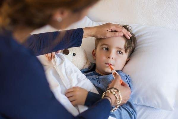 Ten children were hospitalised with Covid-19 last week, Humza Yousaf said.