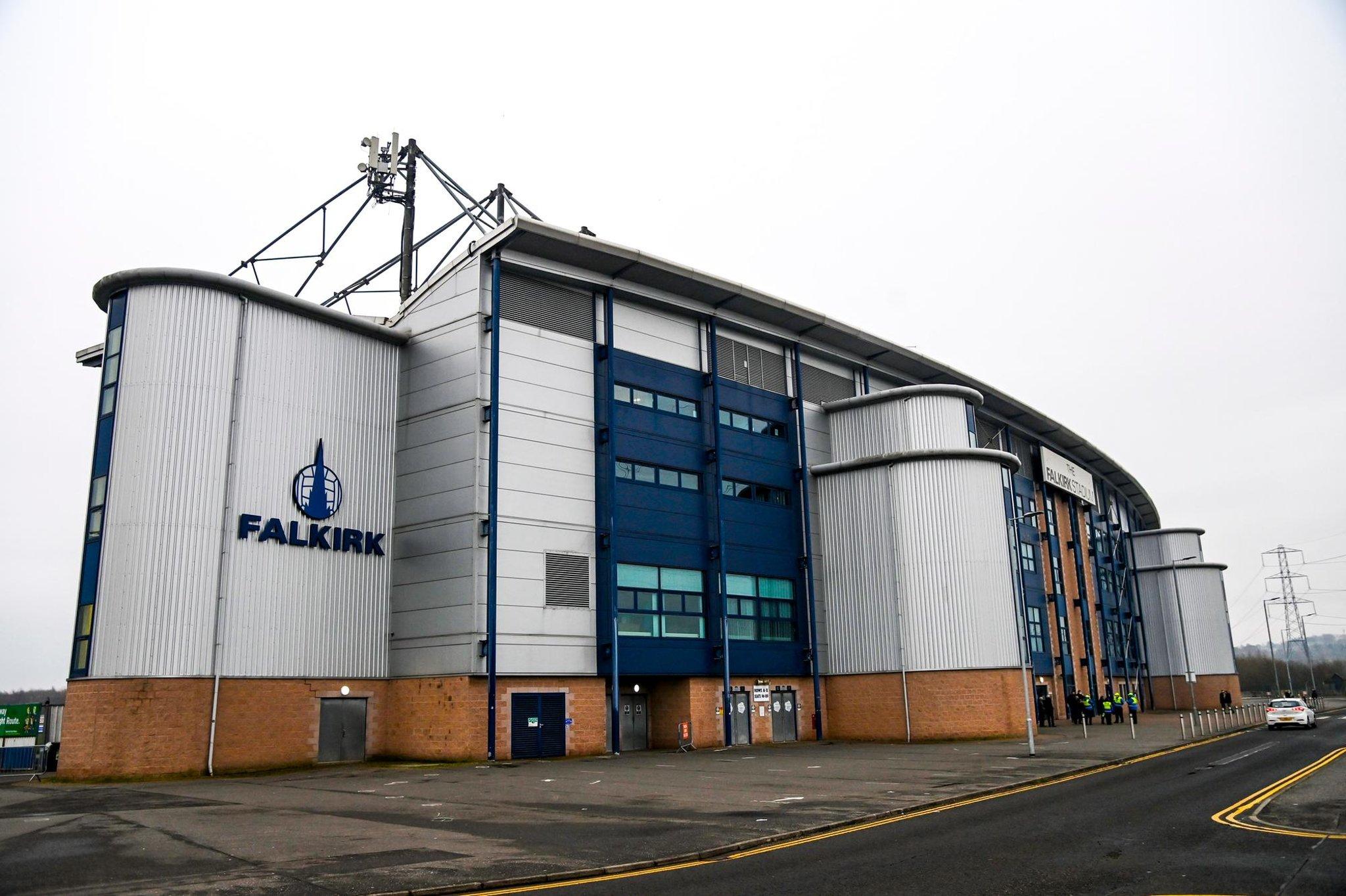 Bagaimana dewan Falkirk berhasil melakukan hal yang tidak terpikirkan dan tidak menghormati pendukung mereka sejauh itu mengganggu penggemar saingan