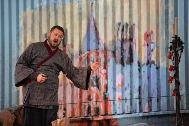 David Ireland as Colline PIC: James Glossop / Scottish Opera