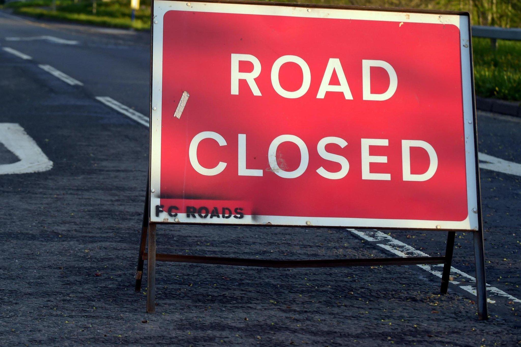 Jalan Edinburgh ditutup oleh layanan darurat setelah dugaan tabrakan