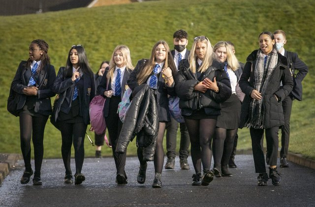 The attainment gap between pupils from different socio-economic backgrounds is narrowing, the Scottish Government has said.