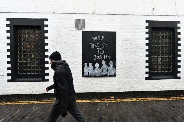 Glasgow pub sign protest outside Ubiquitous Chip (Photo: John Devlin).