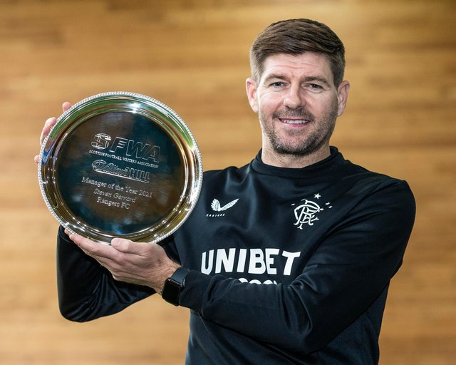 Steven Gerrard with the William Hill Manager of the Year award for 2020-21 from the Scottish Football Writers' Association. (Photo by Kirk O'Rourke).