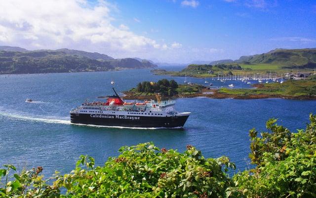 MV Isle of Mull leaving Oban Bay