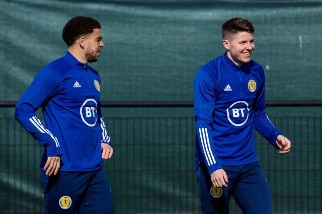 Scotland newcomers Che Adams and Kevin Nisbet during a training session. Photo by Ross Parker / SNS Group