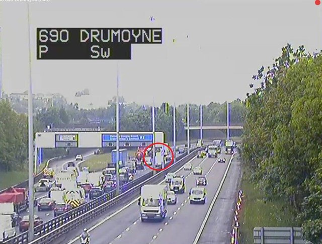 The M8 junction 25 with the incident circled in red (Photo: Traffic Scotland).