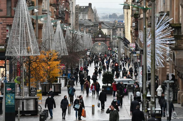 Shoppers in Glasgow city centre as it goes into a 3 week lockdown in tier four covid_19