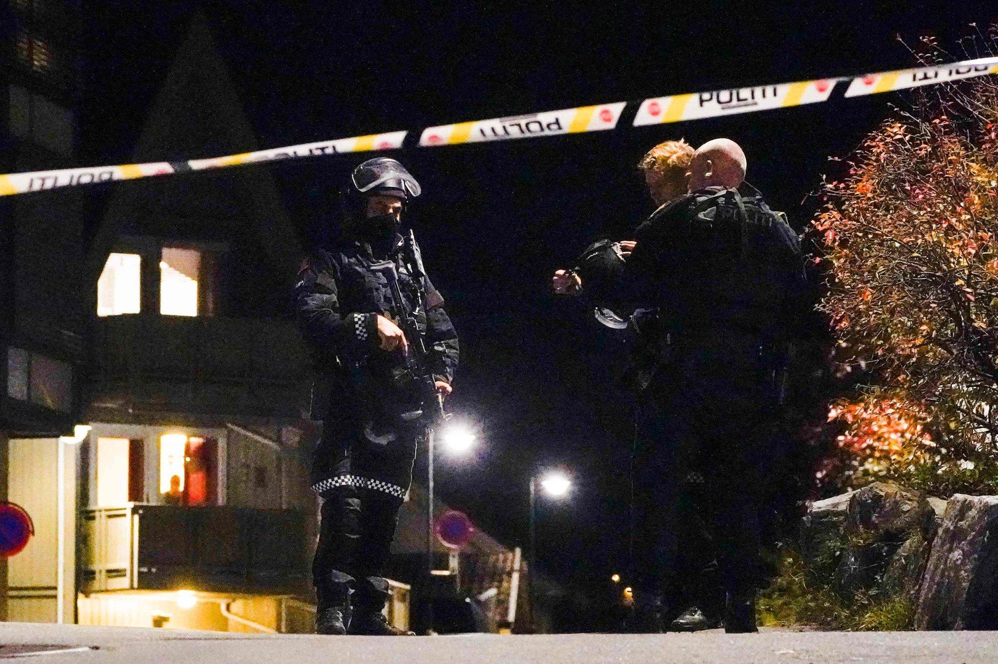 Serangan Norwegia: 'Beberapa terluka dan mati' dalam serangan oleh pria dengan busur dan anak panah di kota Kongsberg