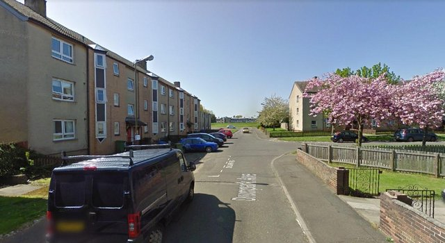 The body of a seriously injured  39-year-old man was found dead at a home in Dumpark Avenue, Bo'ness on Saturday at 2pm, April 17 (Photo: Google Maps).