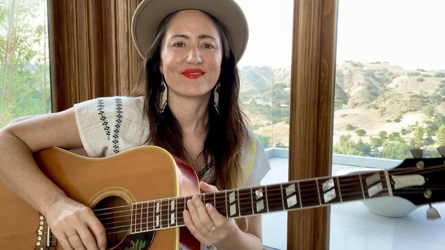 KT Tunstall performs the 100th Scotsman Session from her home in Topanga Canyon, Los Angeles