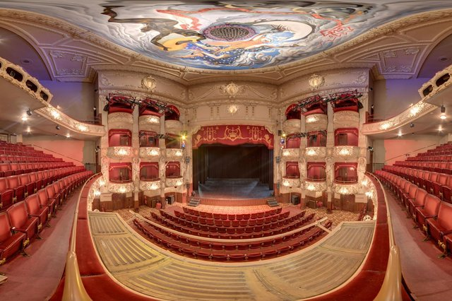The King's Theatre can be toured in 360 degrees from top to bottom.
