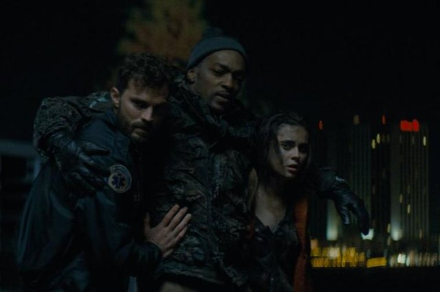 Jamie Dornan, Anthony Mackie and Katie Aselton in Synchronic