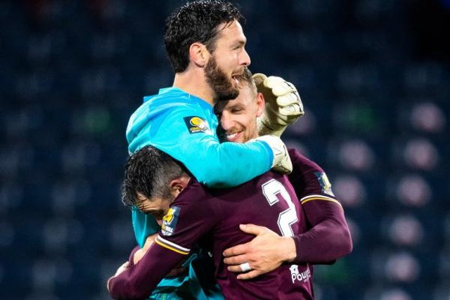 Craig Gordon is a unanimous choice for the Hearts goalkeeping position (Photo by Ross Parker / SNS Group)