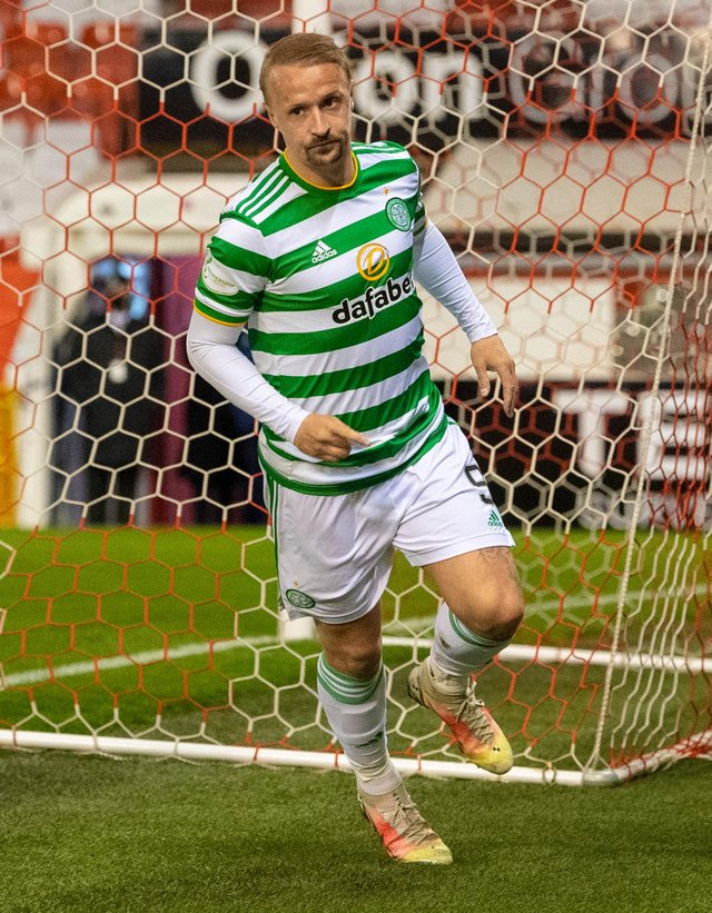 ABERDEEN, SCOTLAND - APRIL 21: Leigh Griffiths makes it 1-1 during a Scottish Premiership match between Aberdeen and Celtic at Pittodrie Stadium, on April 21, 2021, in Aberdeen, Scotland. (Photo by Ross Parker / SNS Group)
