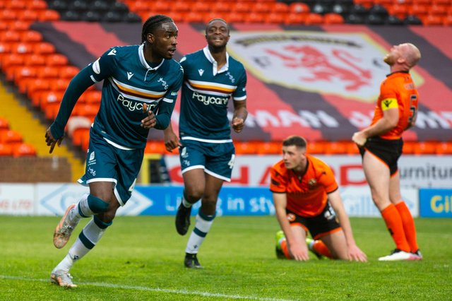 Devante Cole struck late to earn Motherwell a 2-2 draw at Tannadice.