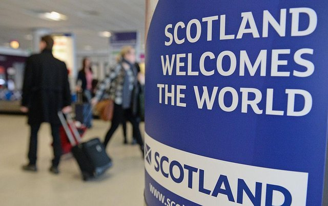 Do many Scots believe this sign's message shouldn't apply to English people? (Picture: Getty)