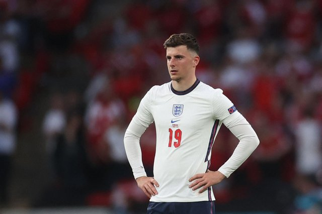 England's midfielder Mason Mount was forced to quarantine after being deemed to have come into close contact with Scotland's Billy Gilmour after last month's 0-0 draw at Wembley. Gilmour tested positive for Covid two days later (Photo by CARL RECINE / POOL / AFP) (Photo by CARL RECINE/POOL/AFP via Getty Images)