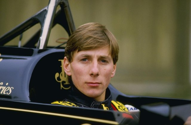 Johnny Dumfries in a Lotus car in 1986