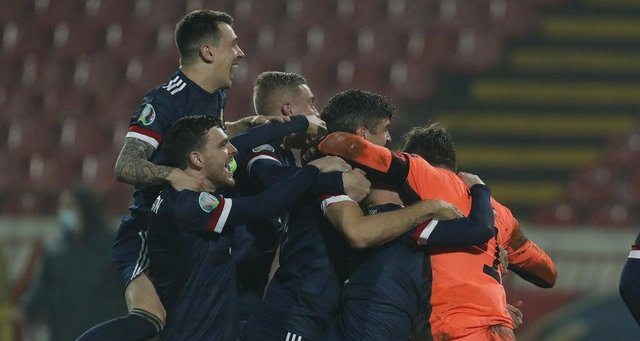 Scotland won a dramatic penalty shoot-out over Serbia