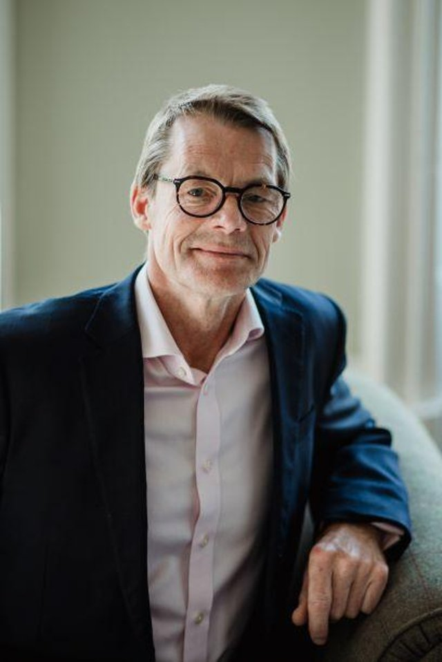 Doug Cook OBE, Institute Director, Asia Scotland Institute