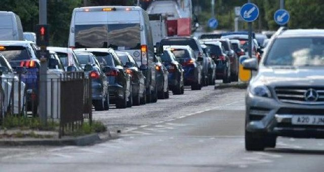 The next SNP government would plan to set a target to cut car use by 20% by the end of the decade, Nicola Sturgeon is to announce.