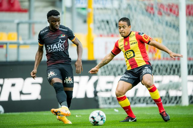 Rangers bound Fashion Sakala (left) in action for Oostende against Mechelen at the weekend (Photo by JASPER JACOBS/BELGA MAG/AFP via Getty Images)