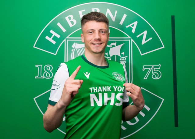 Daniel Mackay has signed a four-year deal with Hibs